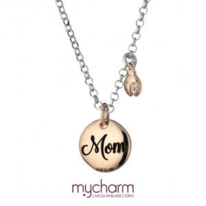 Collana da donna in argento 925 con ciondolo scritta MOM, collezione mycharm, idee regalo mamma. Bellipario Gioielleria Palo del Colle, Bari e Provincia.
